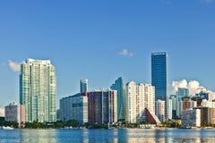 Stad av Miami Florida, sommarpanorama av centret Arkivbild