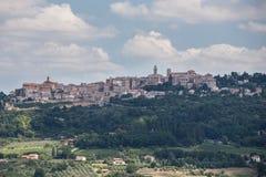 Stad av Montepulciano i Tuscany, Italien Arkivfoto