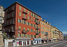 Stad av Nice - arkitektur längs Promenade des Anglais Royaltyfria Bilder