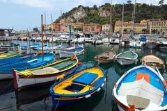 Stad av Nice - färgrika fartyg Arkivbilder