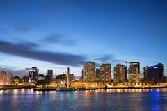 Stad av Rotterdam horisont på skymning Royaltyfria Bilder