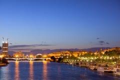 Stad av Seville på aftonen royaltyfri fotografi