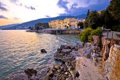 Stad av sikten för himmel för Opatija strand den dramatiska Fotografering för Bildbyråer