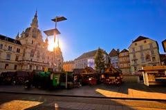 Stad av sikten för marknad Graz Hauptplatz för huvudsaklig fyrkant royaltyfri fotografi