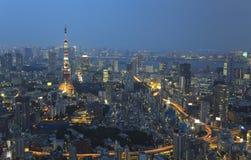 Stad av Tokyo vid natt Fotografering för Bildbyråer