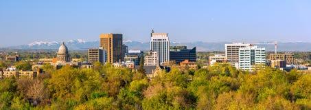 Stad av träd Boise Idaho i livlig nedgångfärg Royaltyfri Bild