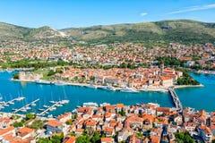 Stad av Trogir fotografering för bildbyråer