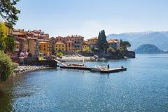 Stad av Varenna på sjön Como i Milan, Italien arkivfoto