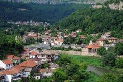 Stad av Veliko Tarnovo på våren Royaltyfri Bild