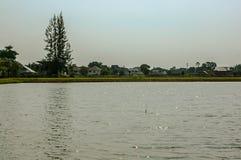 Stad bacground för sjöveiw arkivbilder