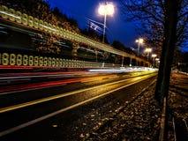Stad in beweging-bus lichten royalty-vrije stock afbeeldingen