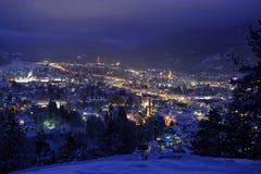 Stad bij nacht in de winter Royalty-vrije Stock Afbeeldingen
