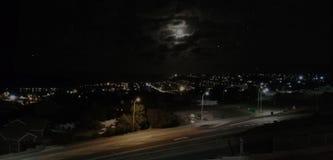 Stad bij nacht Mosselbay royalty-vrije stock foto
