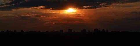 Stad bij zonsondergang Belgrado Royalty-vrije Stock Afbeelding
