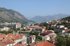 Stad in de bergen Stock Foto's
