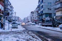 Stad in de de Wintersneeuw Royalty-vrije Stock Foto's