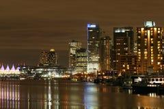 Stad in de nacht Stock Afbeeldingen