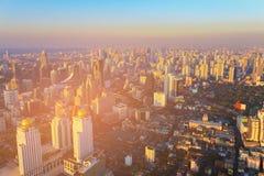 Stad die de horizon van de binnenstad bouwen stock afbeelding
