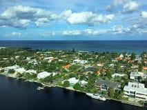 Stad door de oceaan Royalty-vrije Stock Fotografie