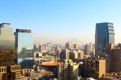 stad en de berg van de Andes op de achtergrond, Chili Stock Fotografie