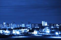 Stad en hemel bij nacht Royalty-vrije Stock Foto's