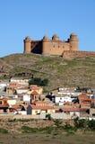Stad en Kasteel, Lacalahorra, Spanje. Royalty-vrije Stock Afbeelding