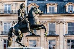Stad Frankrijk van Parijs van het Vercingetorix de vierkante standbeeld Stock Afbeelding