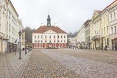 Stad Hall Square in Tartu, Estland Stock Afbeeldingen
