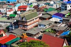 Stad i den Koh Si Chang ön Royaltyfri Bild