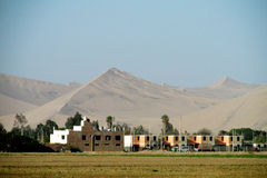 Stad i den Peru öknen Arkivbilder