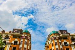 Stad i molnet Arkivfoto