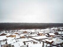 Stad i vinterantenn arkivbild