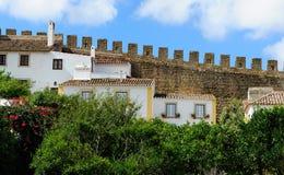 Stad inom slottväggar, Obidos, Portugal Arkivfoto