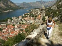 Stad Kotor stock afbeeldingen