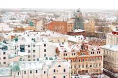 Stad met oude historische gebouwen en Kerk royalty-vrije stock foto