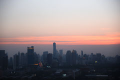 Stad met zonsondergang in Bangkok in Thailand Royalty-vrije Stock Fotografie