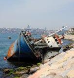 stad nära skeppsbrott Arkivbilder