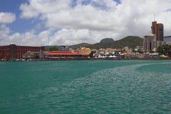 Stad op kust van overzeese golf Haven Louis, Mauritius Stock Afbeelding