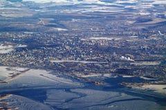 Stad op Volga, mening van vliegtuig Kazan, Rusland stock foto
