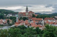 Stad på den soliga dagen, Cesky Krumlov, Tjeckien Arkivfoto