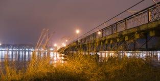Stad på natten Bro Arkivfoto