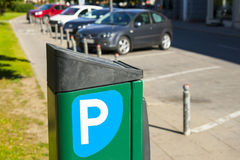 Stad, parkeren wordt betaald voor auto's die Stock Foto's