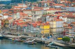 Stad Porto in de ochtend Mening van de rivier Douro en Ribeira district Royalty-vrije Stock Afbeelding