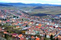 Stad Rupea, Reps Flyg- sikt och typisk stads- landskap Royaltyfri Bild