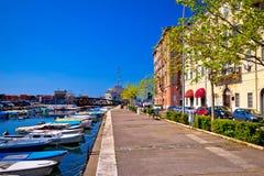 Stad sikt av för den Rijeka delta- och Rjecina floden, Arkivbild