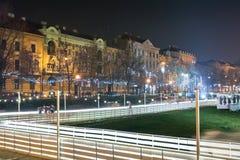 Stad som åker skridskor isbanan på natten Royaltyfria Foton