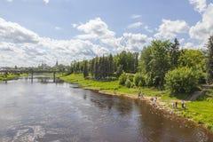 Stad Torzhok Cityscape dijk royalty-vrije stock foto's