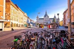 Stad van belangrijkst vierkant de komststandpunt van Graz Hauptplatz royalty-vrije stock foto