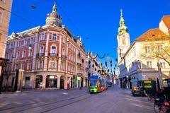 Stad van belangrijkst vierkant de komststandpunt van Graz Hauptplatz stock afbeelding