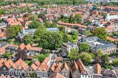 Stad van Brielle die van de kerk wordt gezien royalty-vrije stock afbeelding